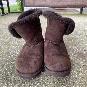 Brown Bailey Button Lowtop UGG US Size 6